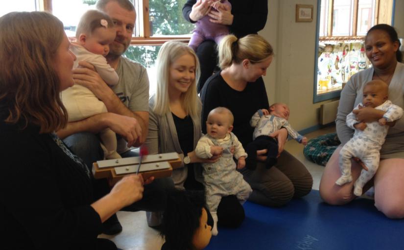 Babysang på Os helsestasjon med Gro Kjelleberg Solli